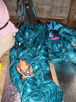 20090518 2シュラフ&ヘッドランプ.JPG