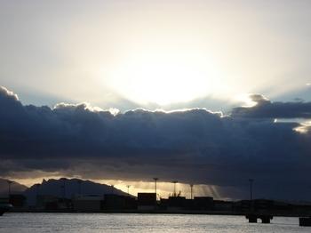 20090815 6パペーテ港の夕暮れ2s.JPG