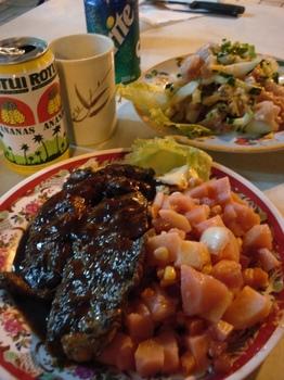 20090817 6夕食SteakSaladeRusse&PoissonCru.JPG