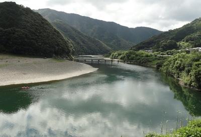 20110717 6四万十川岩間沈下橋5s.JPG