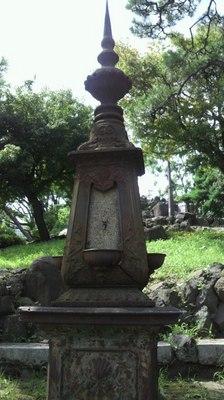 20110828 日比谷公園水飲み.jpg