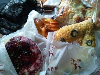 20120902 浅野屋パン.JPG