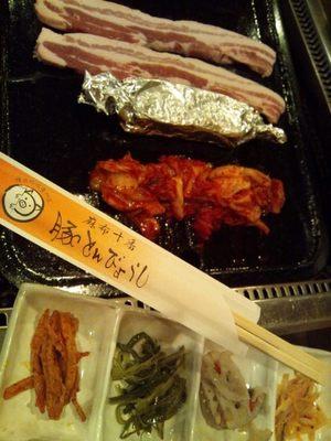 20121214 豚とんびょうしサムギョプサル.JPG